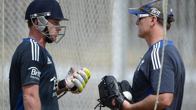 England batsman Ian Bell (left) and coach Andy Flower