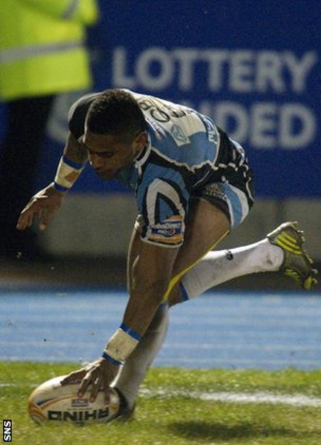 Nikola Matawalu scores a try for Glasgow Warriors