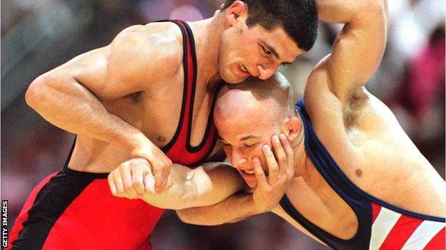 Armen Nazaryan (left) beat Brandon Paulson to win Olympic gold in 1996
