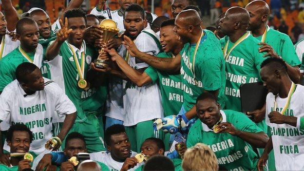 Nigeria team celebrates winning the 2013 Nations Cup