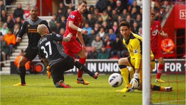 Southampton's Morgan Schneiderlin (centre) scores against Liverpool