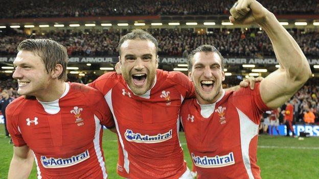 Jamie Roberts (centre) with team-mates Dan Biggar and Sam Warburton