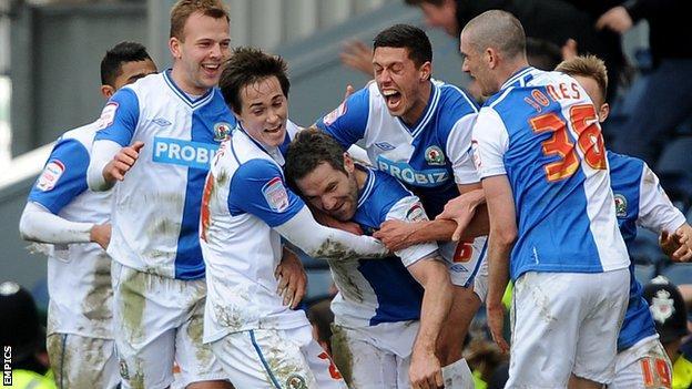 David Dunn celebrates with his Blackburn teammates