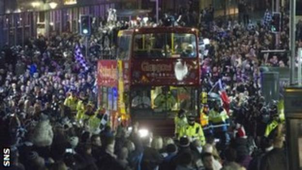 St Mirren celebrate on the streets of Paisley