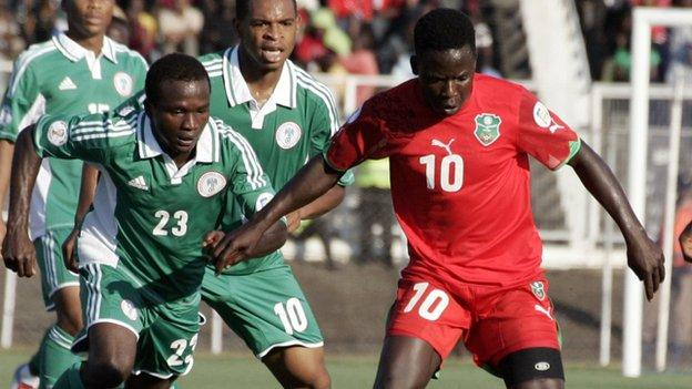 Joseph Kamwendo (right) has been named Malawi captain