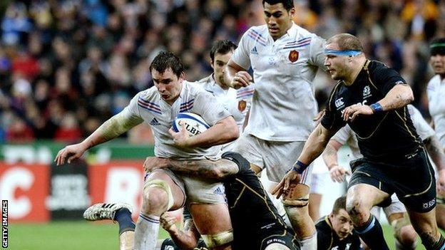 Louis Picamoles tries to break through the Scottish defence