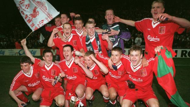 Michael Owen (bottom row, second from right)