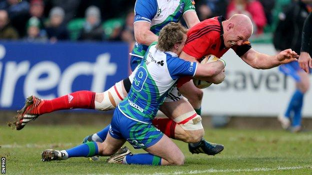 Paul O'Connell opens the scoring for Munster against Connacht