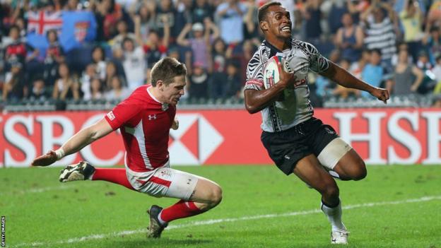 Osea Kolinisau goes over as Fiji fight back in the Hong Kong Sevens final