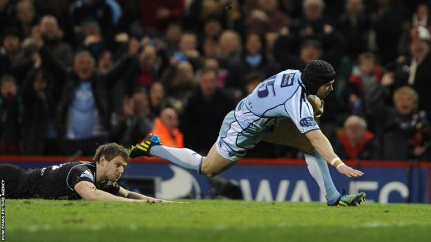 Full-back Leigh Halfpenny gives Cardiff Blues an early lead against the Ospreys in the second Welsh derby of the 'Judgement Day' Pro12 double-header at the Millennium Stadium