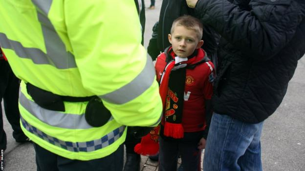A young Manchester United fan