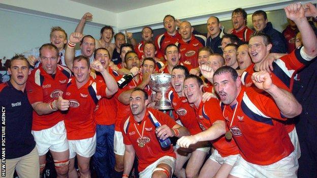 Llanelli Scarlets 2004