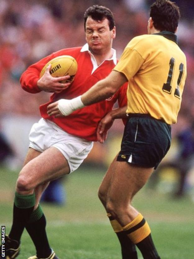 Ieuan Evans and David Campese in action during the third and deciding Test in Sydney in 1989