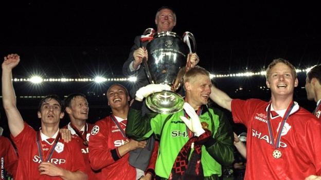 Sir Alex Ferguson and Champions League winning team of 1999
