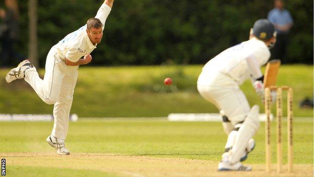 Leinster's Max Sorensen bowls against the Warriors