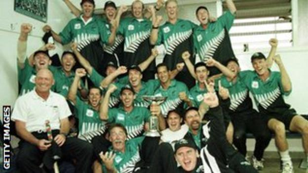 New Zealand with the ICC Knock Out trophy in 2000