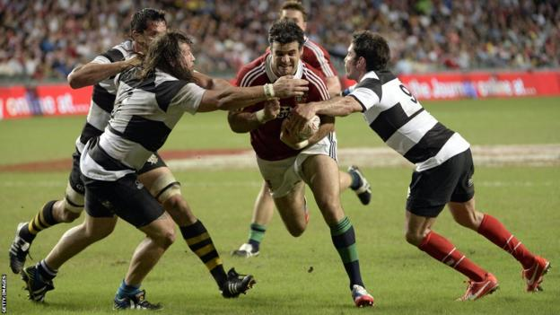 Mike Phillips scores two Lions tries