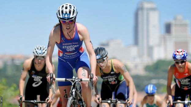 Non Stanford on her way to victory in the Madrid round of the ITU women's world triathlon series