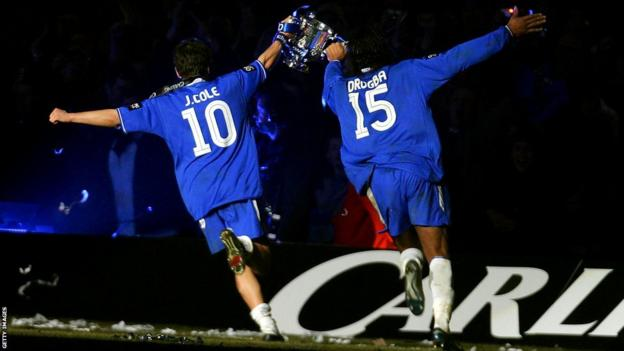 Joe Cole and Didier Drogba with the League Cup