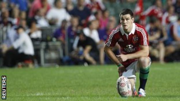 Jonathan Sexton lines up a kick on Saturday