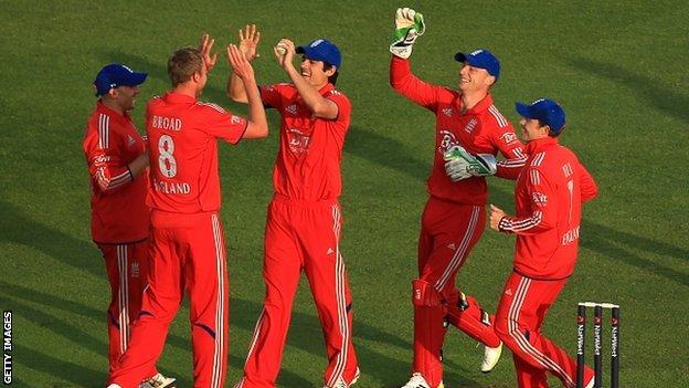 England celebrate at Trent Bridge