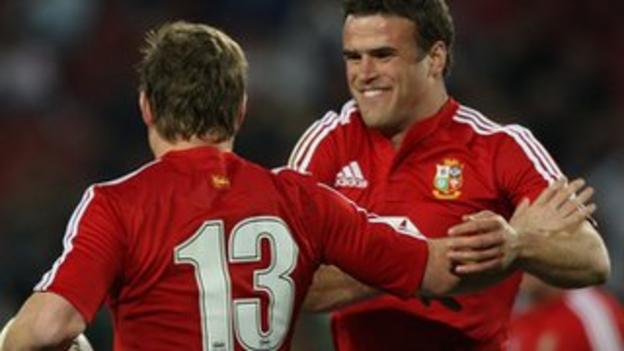 Brian O'Driscoll (left) and Jamie Roberts