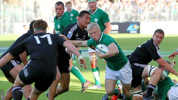 David Shanahan surges forward for Ireland against New Zealand