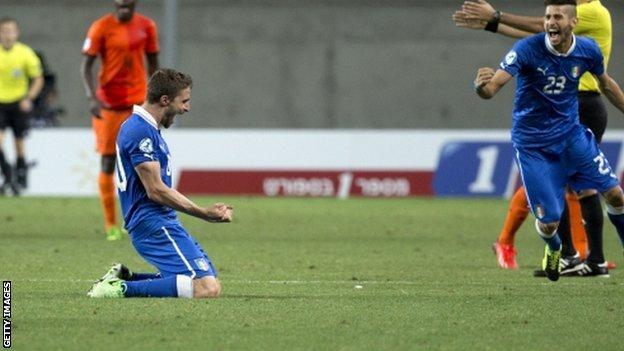 Italy's Fabio Borini celebrates