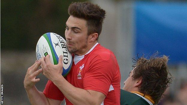 Jordan Williams takes on South Africa Under-20