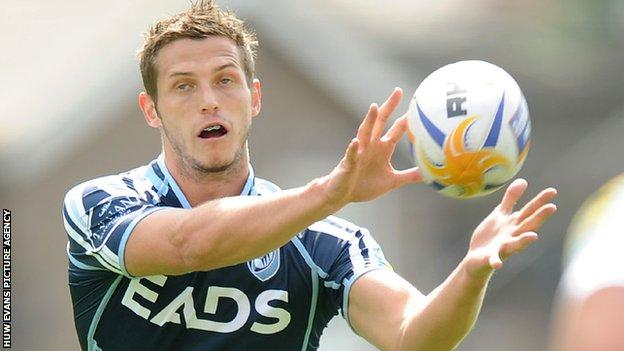 Jason Tovey playing for Cardiff Blues