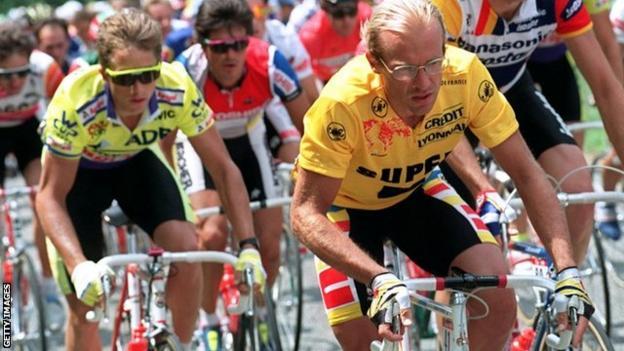 Greg Lemond (left) and Laurent Fignon during the 1989 Tour de France