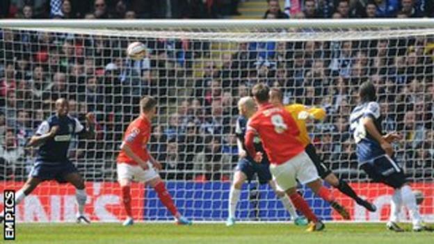 Luke Murphy scores at Wembley
