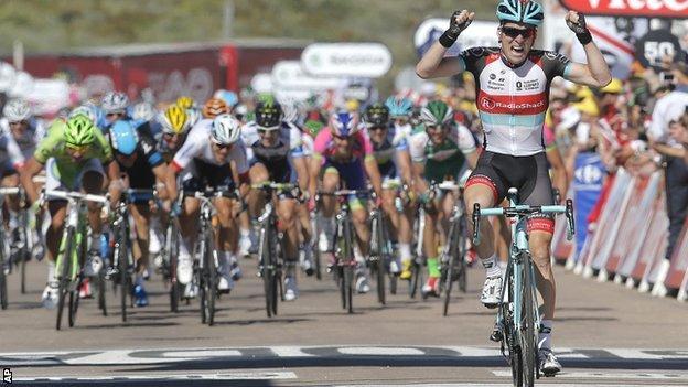Jan Bakelants triumphs