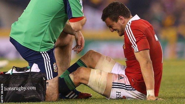 Sam Warburton is injured in the 2013 Lions second Test