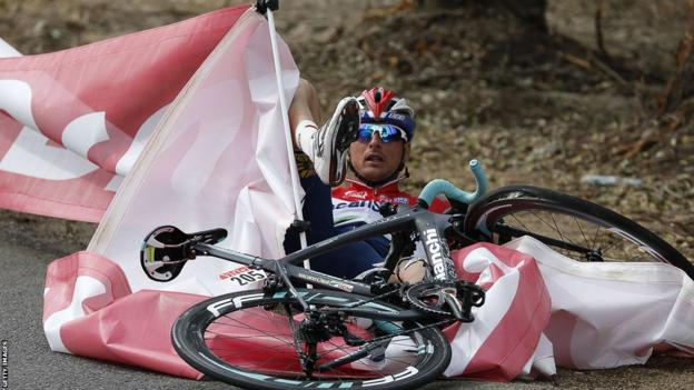 Netherlands' Johnny Hoogerland falls during the 213 km first stage from Porto-Vecchio - Bastia