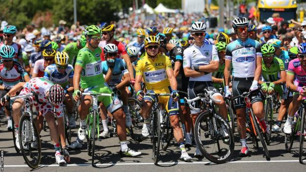 Cyclists prepare to start stage six of the 2013 Tour de France