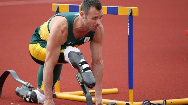 Oscar Pistorius back in training