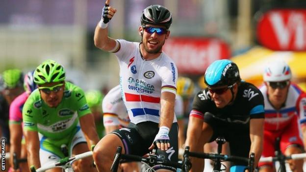 Mark Cavendish wins in Marseille