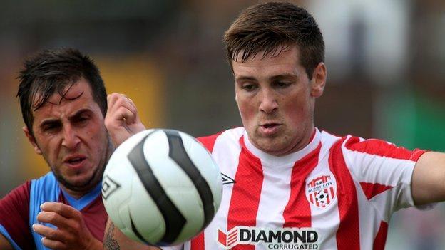 Derry's Patrick McEleney and Trabzonspor's Zeki Yavru