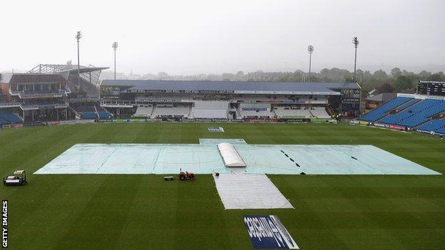 Headingley in the rain