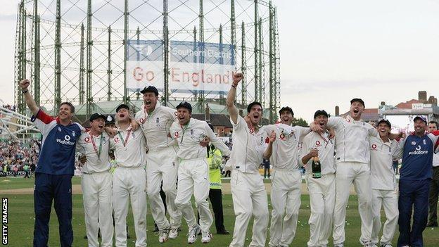 England celebrate winning the Ashes at the Oval in 2005