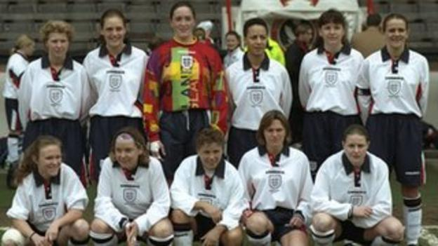 Hope Powell in England squad