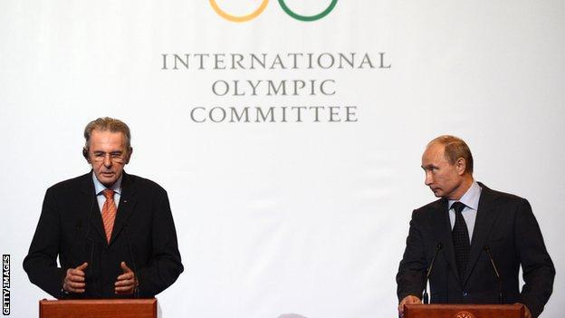 Jacques Rogge and Vladimir Putin