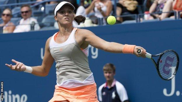 Laura Robson in action against Li Na