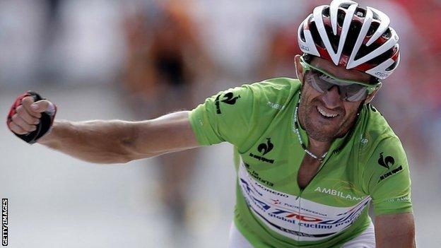 Daniel Moreno wins stage nine