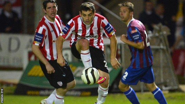 David McDaid on the ball for Derry City against St Pat's Athletic