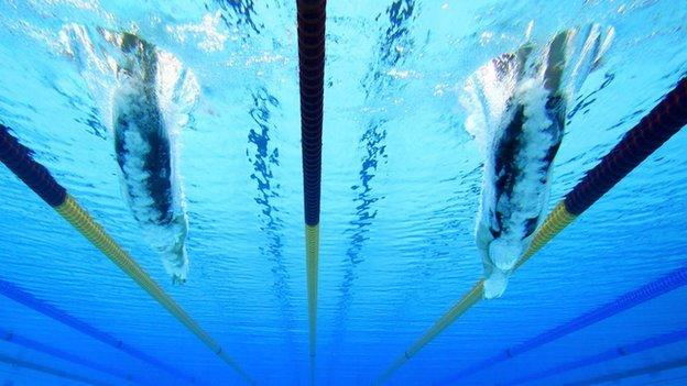 Swimmers under water