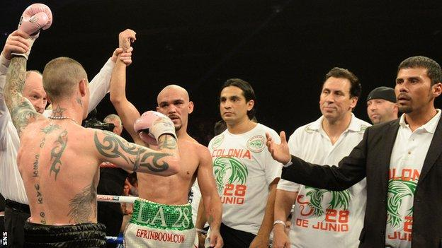Ricky Burns and Raymundo Beltran have to settle for a draw