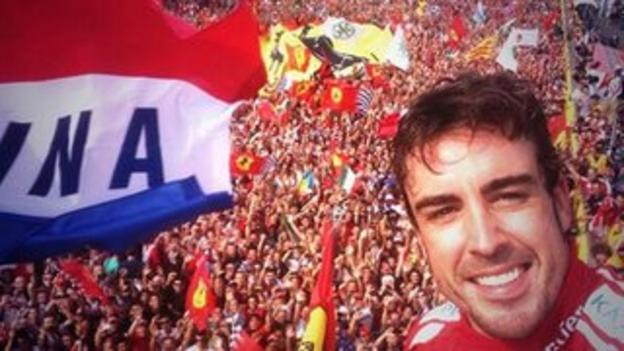 Fernando Alonso with the Monza crowd