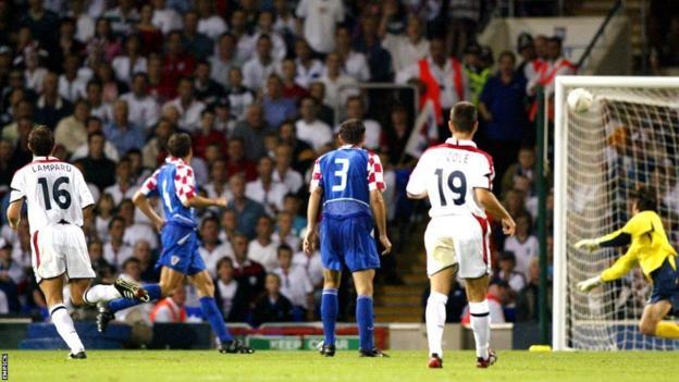 Lampard scores v Croatia, 2003
